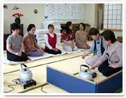 ふれあい教室「茶道」の様子